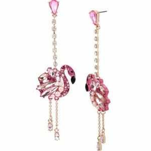 NWT Betsey Johnson Flamingo dangle earrings